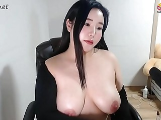 KOREAN BJ CHUBBY GIRL CUTE FACE WITH BIG TIT SHOW CAM ! 261219