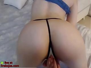 Korean babe shows her sexy boobs