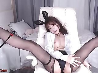 Korean bunny camgirl in pantyhose