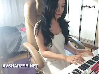 Korean Girl Masturbate in Bathroom - javshare99.net