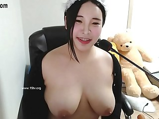 Korean Big Tits BJ On cam !