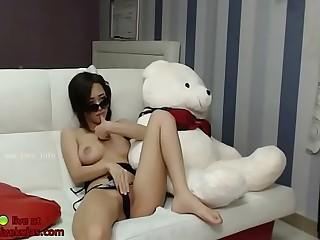Big tits Korean camgirl shows her amazing body
