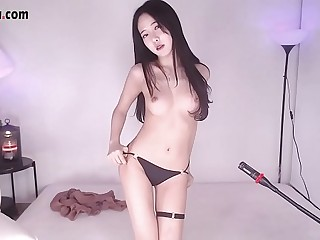 Korean BJ Girl super body ! Beautiful live stream on cam !